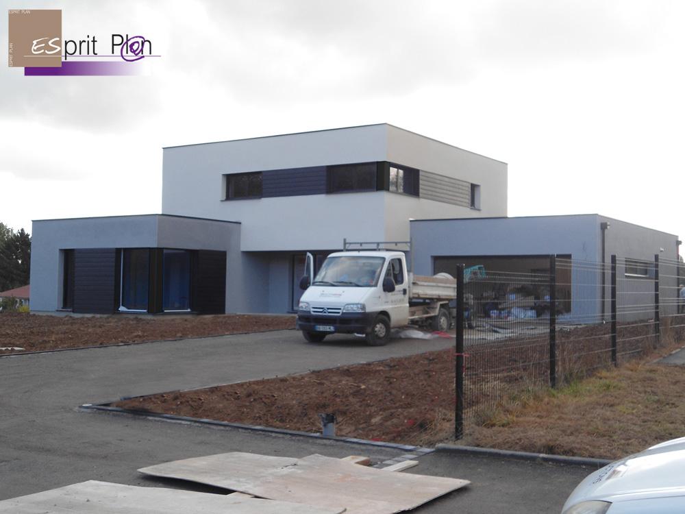 Realisations maison extensions renovations sur arras for Maison cube moderne constructeur
